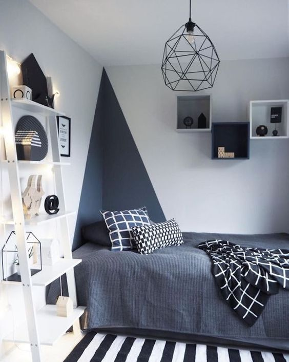 Triangle to delimit the bed space in a modern bedroom